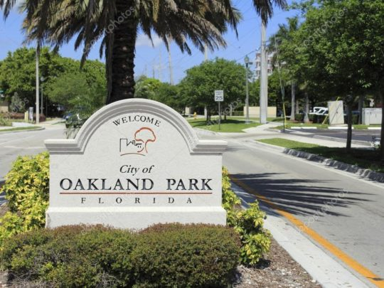 Oakland Park-Florida Tree Service Pros-We Offer Tree Trimming Services, Tree Removal, Tree Pruning, Tree Cutting, Residential and Commercial Tree Trimming Services, Storm Damage, Emergency Tree Removal, Land Clearing, Tree Companies, Tree Care Service, Stump Grinding, and we're the Best Tree Trimming Company Near You Guaranteed!