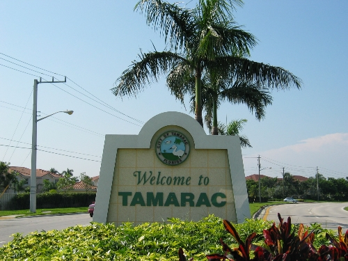 Tamarac-Florida Tree Service Pros-We Offer Tree Trimming Services, Tree Removal, Tree Pruning, Tree Cutting, Residential and Commercial Tree Trimming Services, Storm Damage, Emergency Tree Removal, Land Clearing, Tree Companies, Tree Care Service, Stump Grinding, and we're the Best Tree Trimming Company Near You Guaranteed!